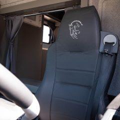 Koniowóz MAN TGL szary wyszywany fotel