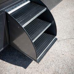 Koniowóz MAN TGL schody część mieszkalna