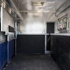 Koniwóz Renault Midlum boksy otwarte - Koniowozy Struś - profesjonalne koniowozy na zamówienie